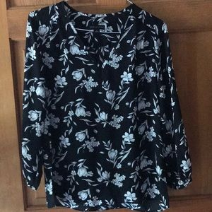 Women's black and white floral tunic